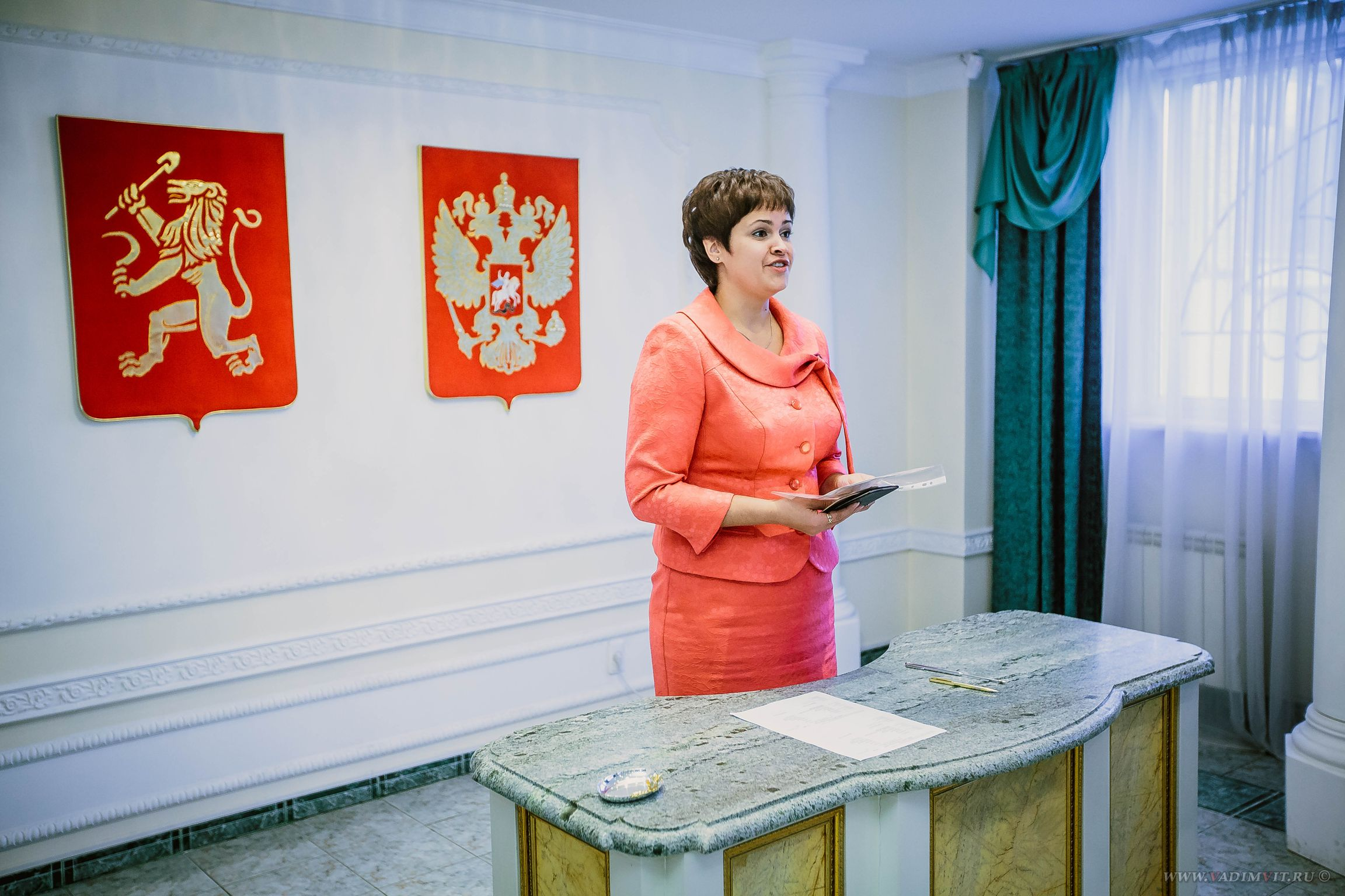 Стол регистрации. ЗАГС Советского района