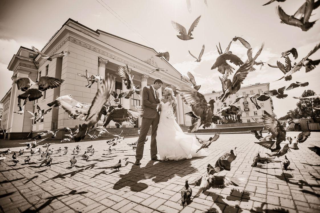 Красивые места для фотосессии в Красноярске. Площадь напротив ТЮЗа