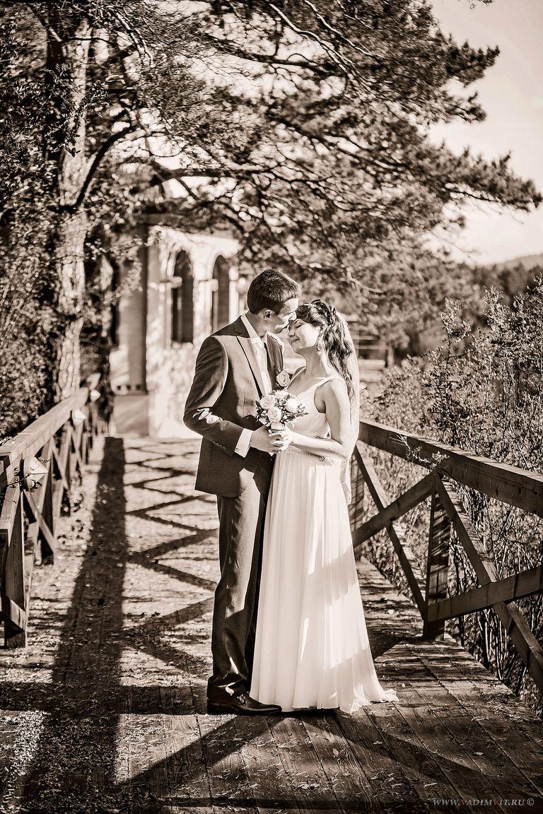 Свадебная фотосессия в доме отдыха. Свадебный фотограф Вадим Витчинкин