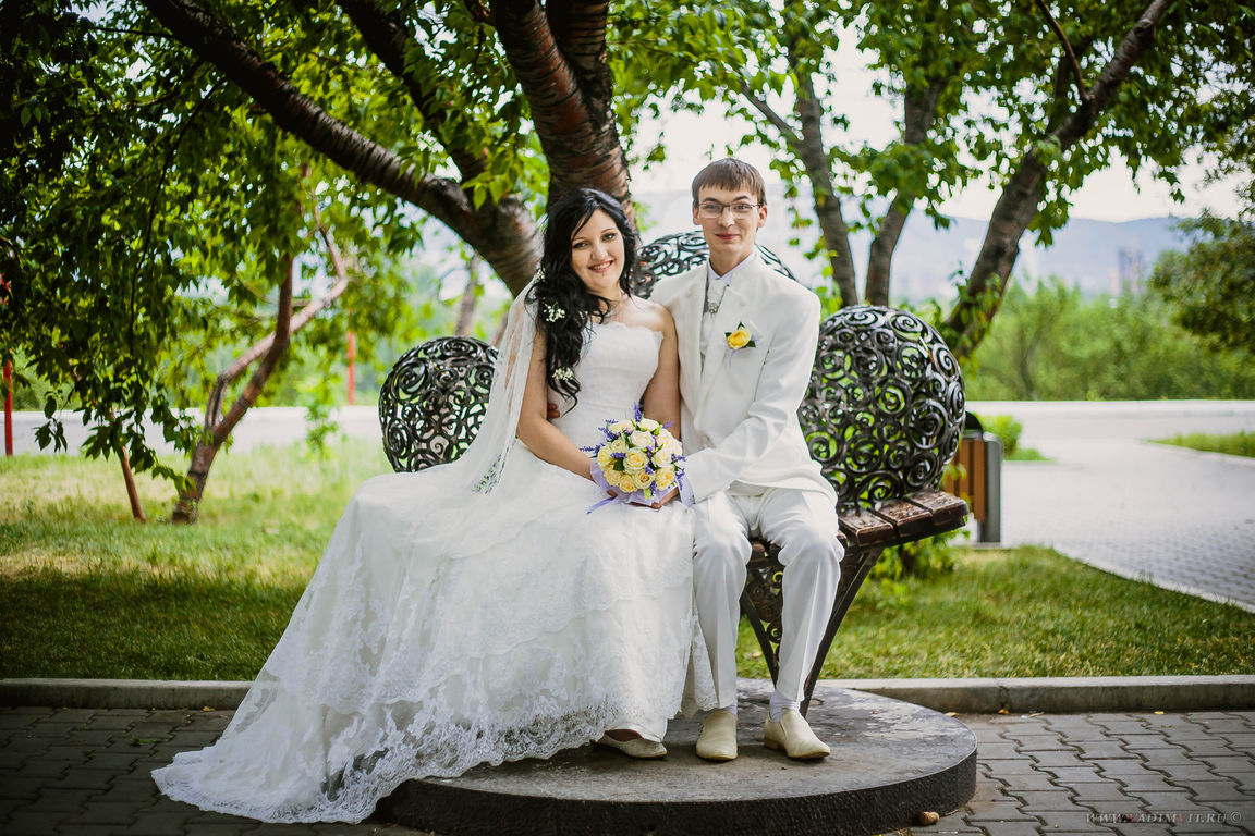 Сквер у Дворца бракосочетания Красноярск