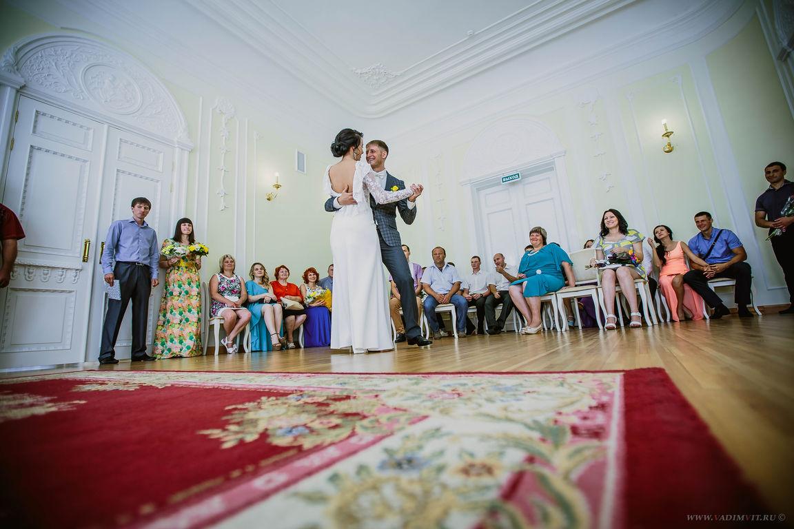 Свадебная фотосессия в Доме семейных торжеств в Красноярске