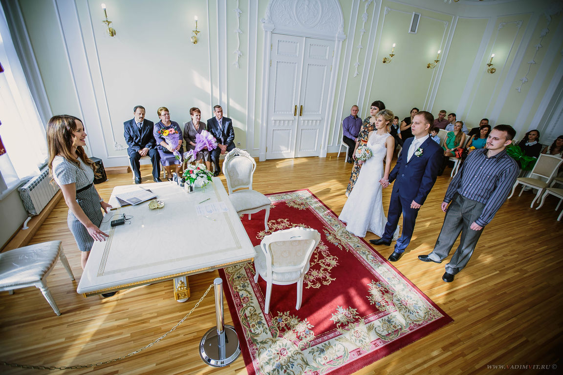 Свадебная фотосессия в Доме семейных торжеств